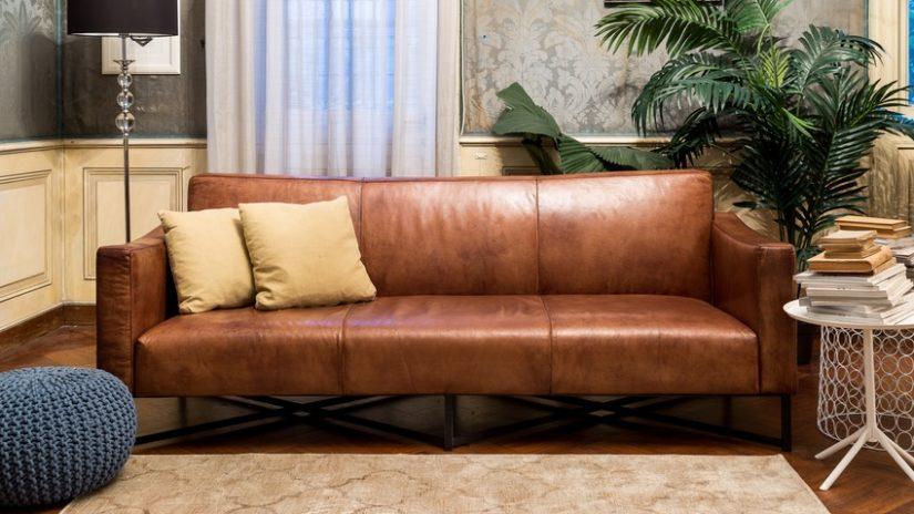 trojmístné vintage kožené sedačky