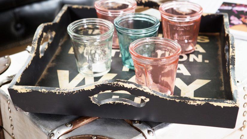 pastelové barevné skleničky
