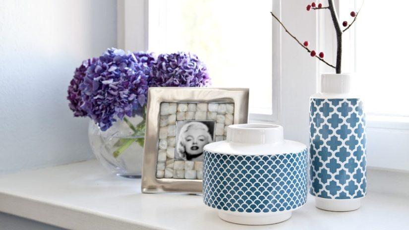 modrobílé vázy