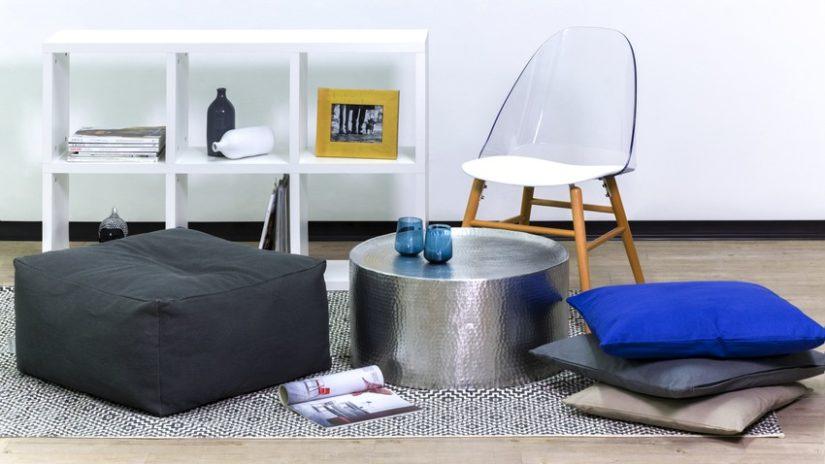 designová plastová židle