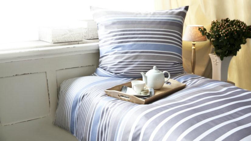 pruhovaná postel 80 x 190