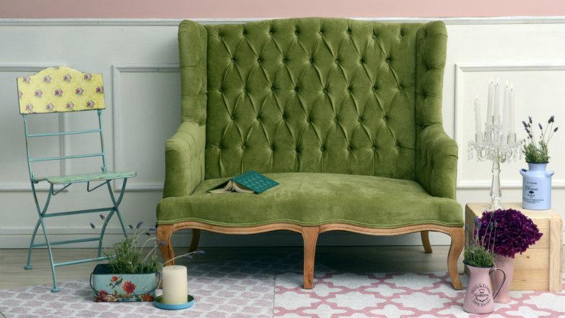 retro zelená pohovka
