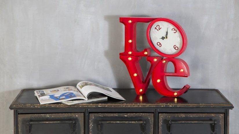 dekorativní nápisy - love