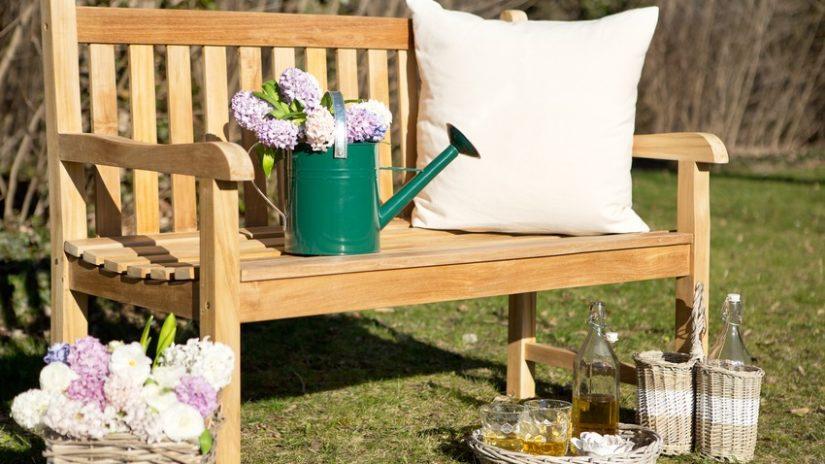 rustikální dřevěná zahradní lavice