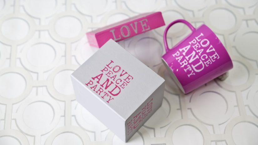 dárky pro svatebčany - hrnek
