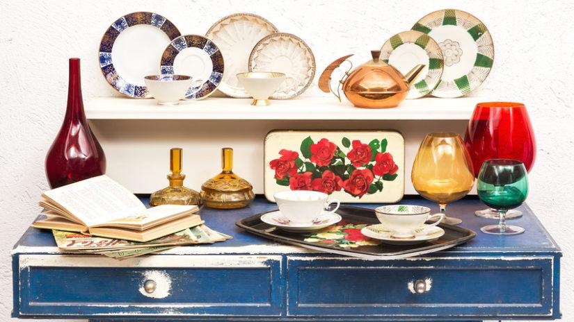 talíře jako vintage dekorace