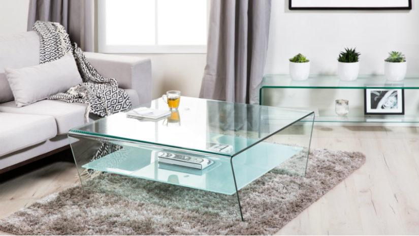 designový stolek v obývacím pokoji