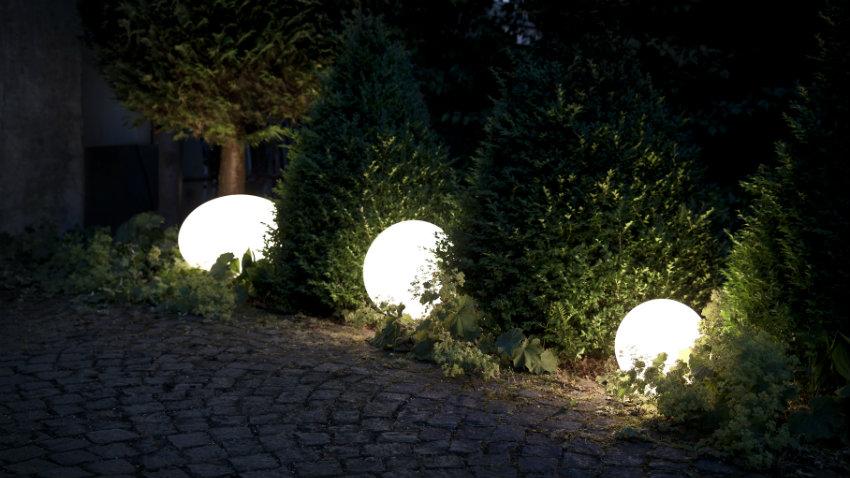 kulatá solární zahradní lampa