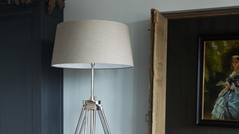 retro šedé stropní světlo