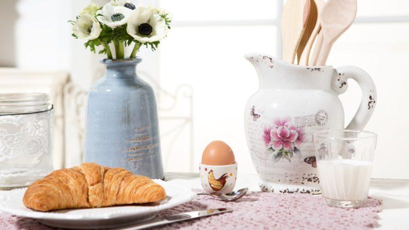 stříbrná lžička na vajíčka