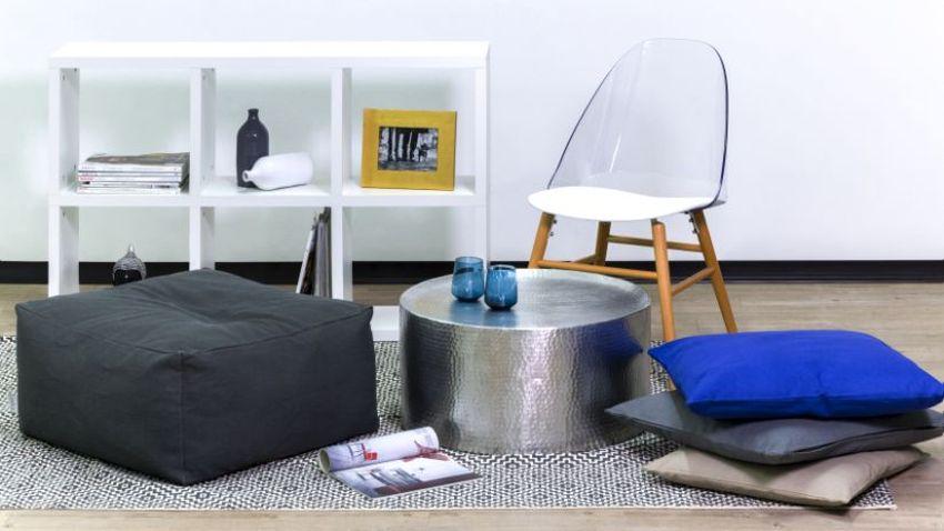 stylová průhledná židle