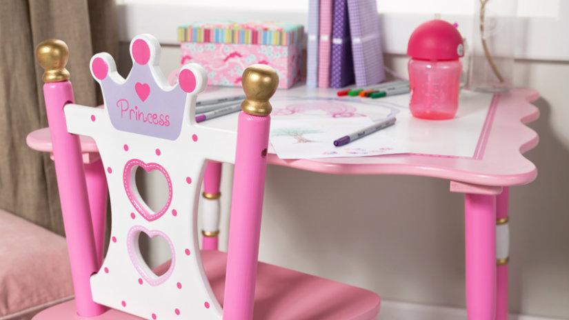 růžová dětská židle