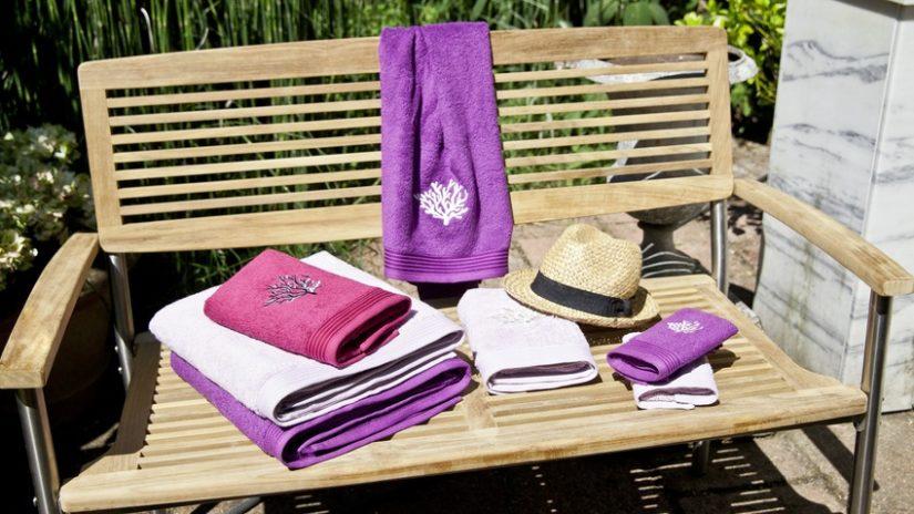 fialové froté ručníky
