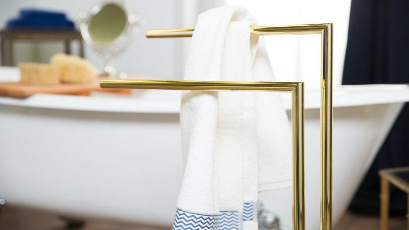 zlatý držák na ručníky