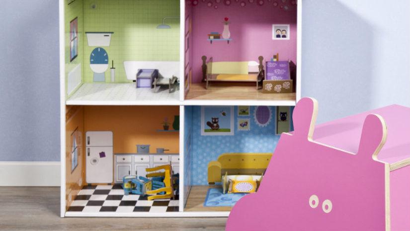 dětský regál jako pokojíček pro panenky