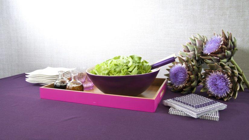 fialová salátová mísa