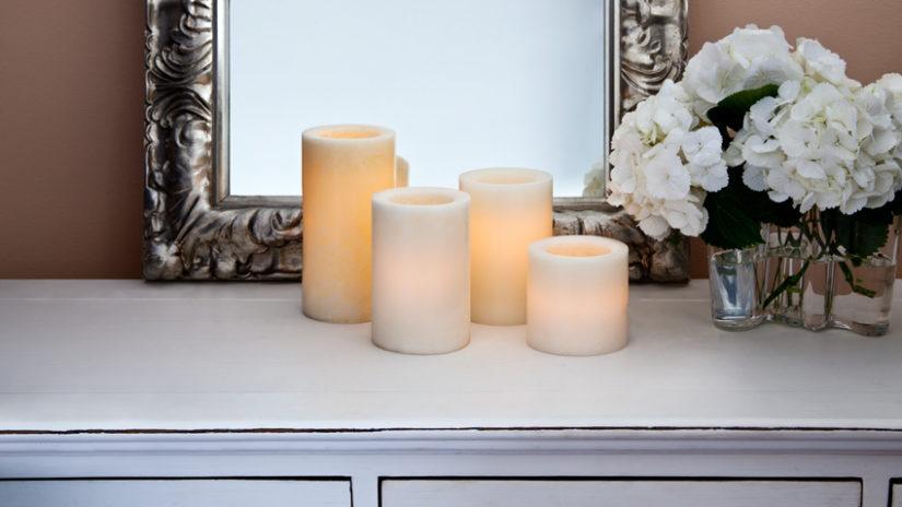 bílé led svíčky