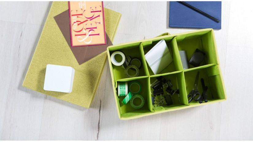 zelený organizér do zásuvky