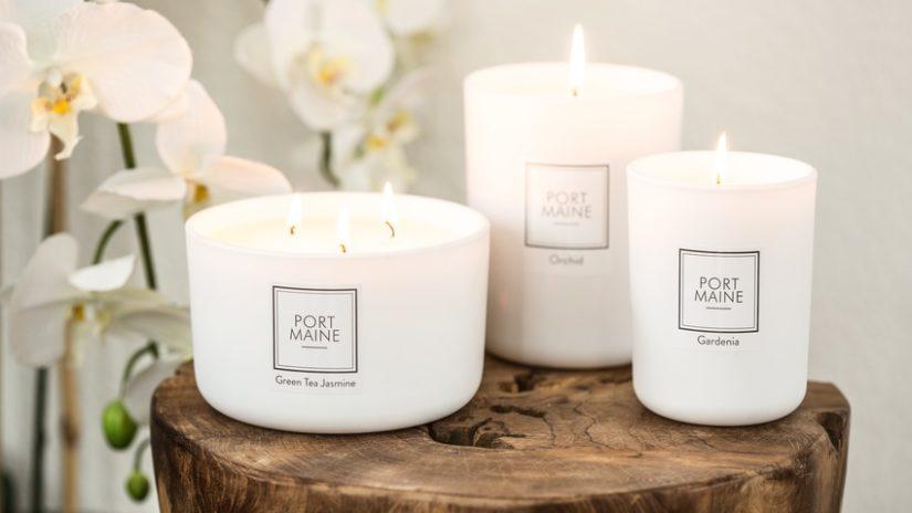 bílé velké svíčky