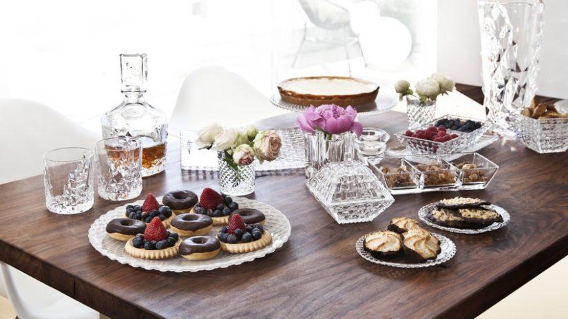 skleněný dezertní talíř