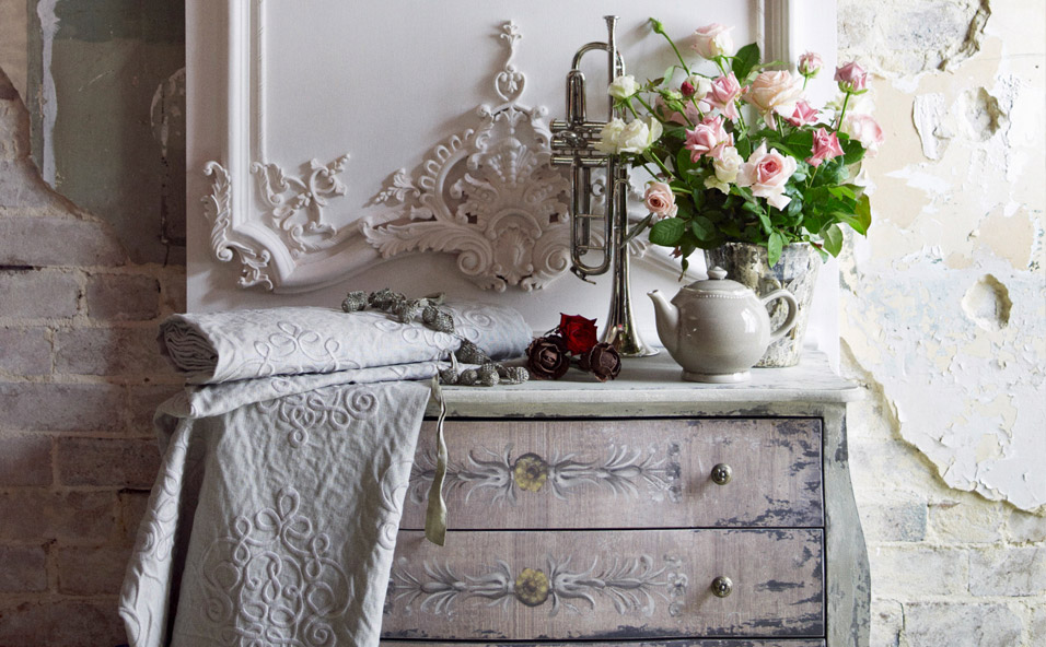 shabby chic garten style im gr nen westwing. Black Bedroom Furniture Sets. Home Design Ideas