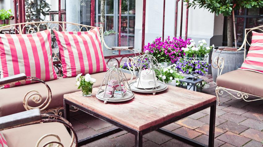 terrassengestaltung tolle inspirationen bei westwing. Black Bedroom Furniture Sets. Home Design Ideas