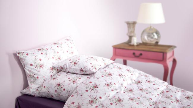 Schlafzimmer gestalten mit Rosa