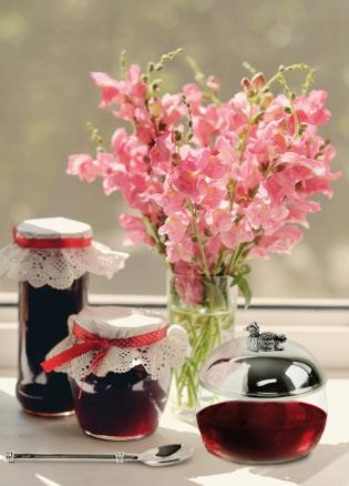 185 Marmeladenglas auf Fensterbank_315x438