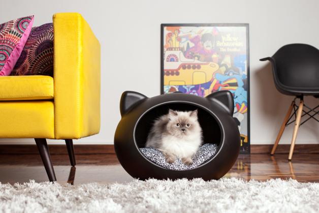 1-black_cat_bed_guisapet_uk