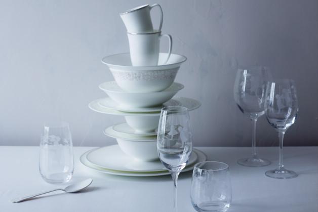 Porzellan und Glas