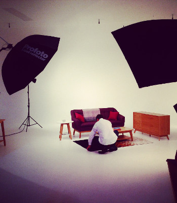 Woodman Möbel beim Fotoshooting