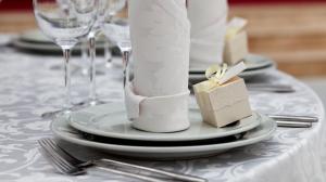 Tischdeko-Hochzeit-Fotolia