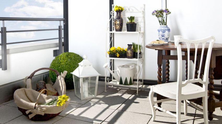 Muebles de balc n elegancia al exterior westwing for Muebles para balcon exterior pequeno