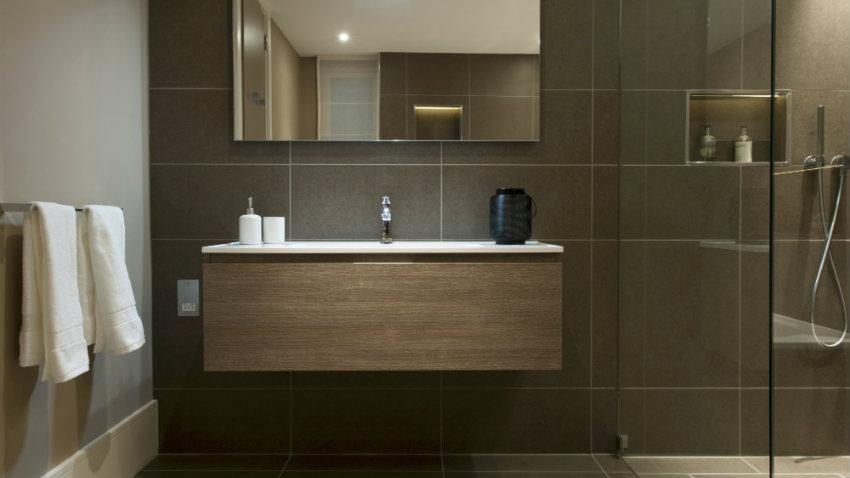 Baño moderno, práctico y con estilo