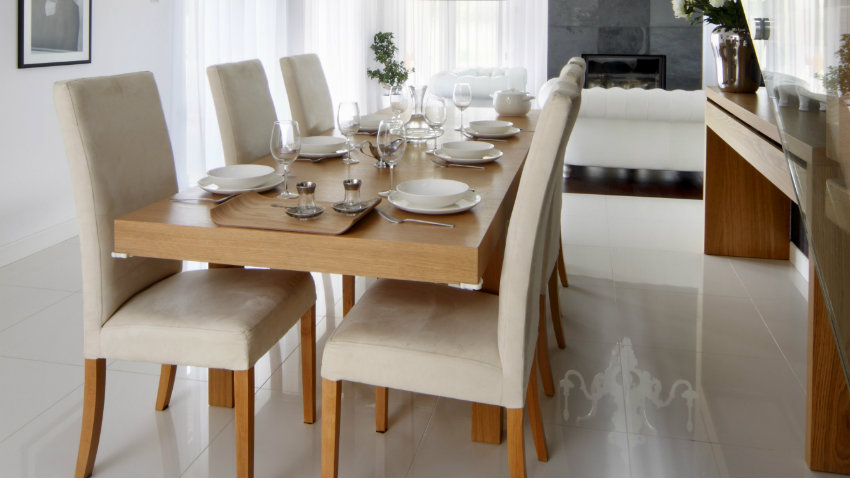 Sillas de comedor modernas confort y estilo westwing for Sillas salon madera