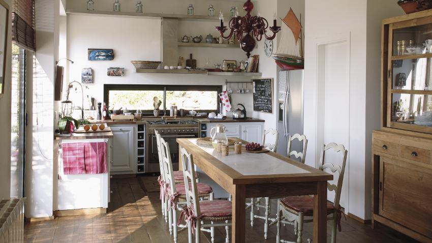 Cojines para sillas de cocina cambio de look westwing for Sillas de colores para cocina