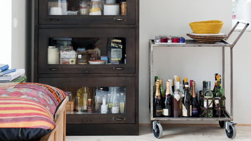 Vitrinas modernas almacenaje y mucho estilo westwing for Vitrinas salon modernas