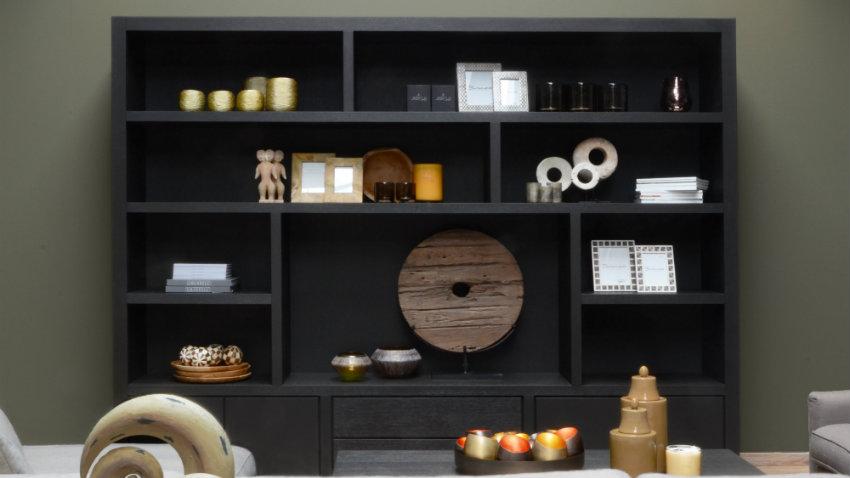 Estanter a negra estilo y dise o para tu casa westwing - Estanteria escalonada ...