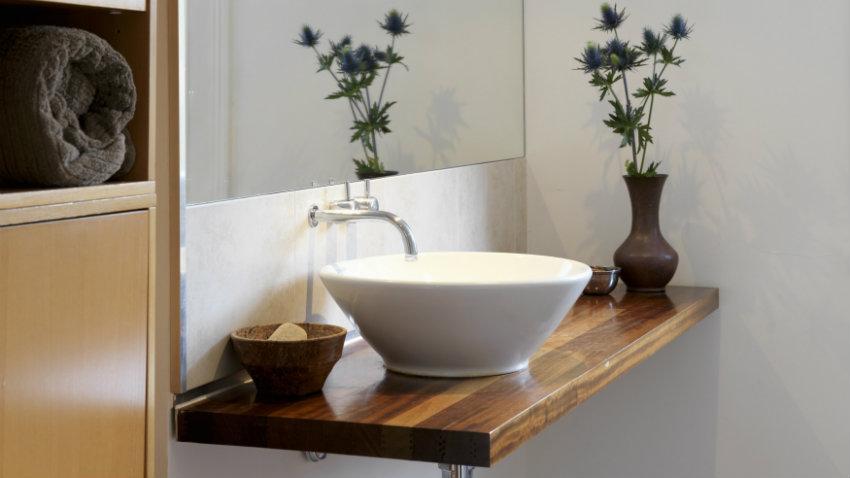 lavabo esquinero aprovecha el espacio westwing. Black Bedroom Furniture Sets. Home Design Ideas