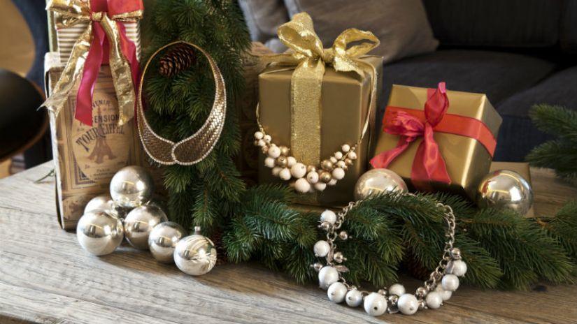 Cadeaux de Noël dorés