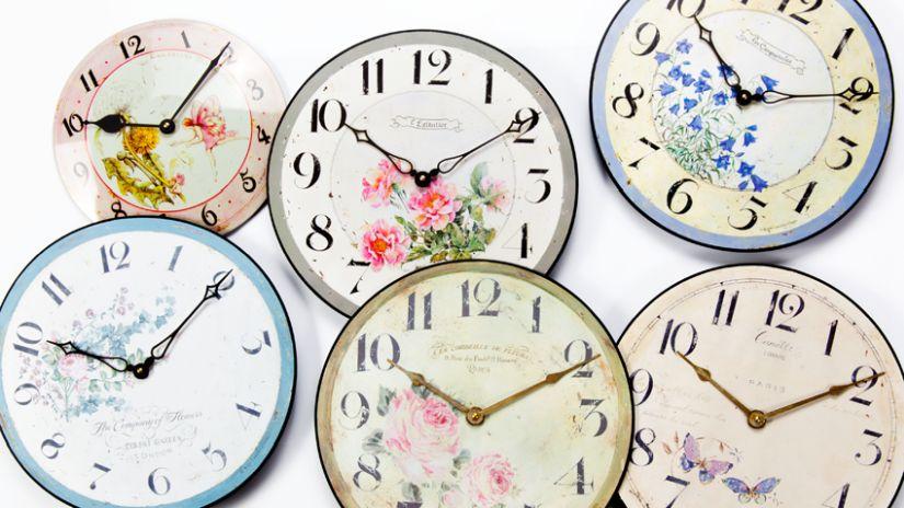 Horloges de couleur