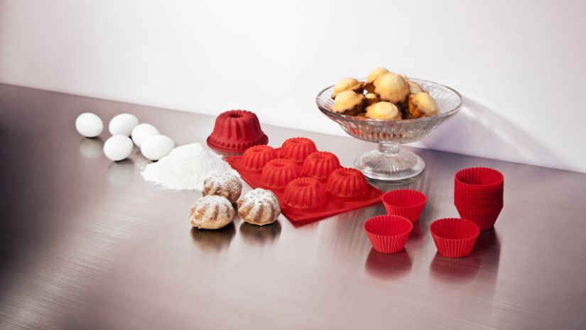 Moule à muffin rouge en silicone