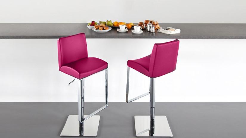 Chaise de bar rose