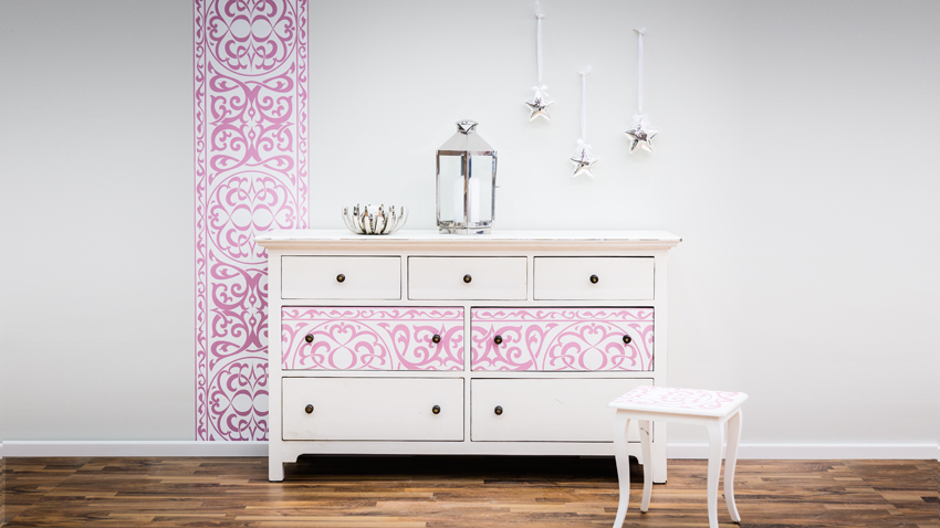 commode jeune fille