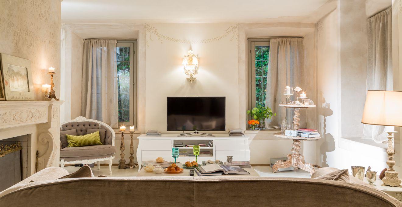 Dalani soggiorno il centro della casa for Cosa mettere dietro il divano