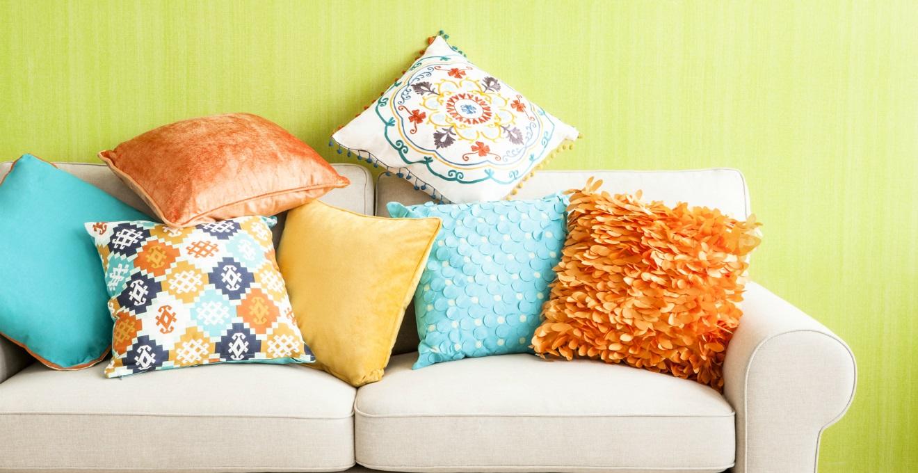 Dalani cuscini tessili per la casa colorati e versatili for Cuscini divano