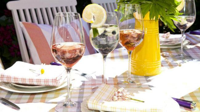 aperitivo in casa bicchieri calici drink
