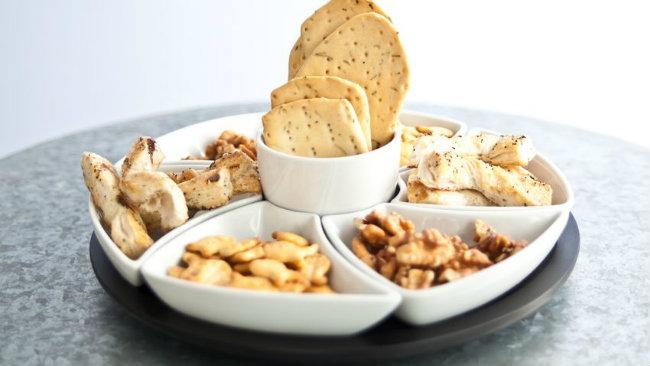 aperitivo in casa antipastiera snack salatini