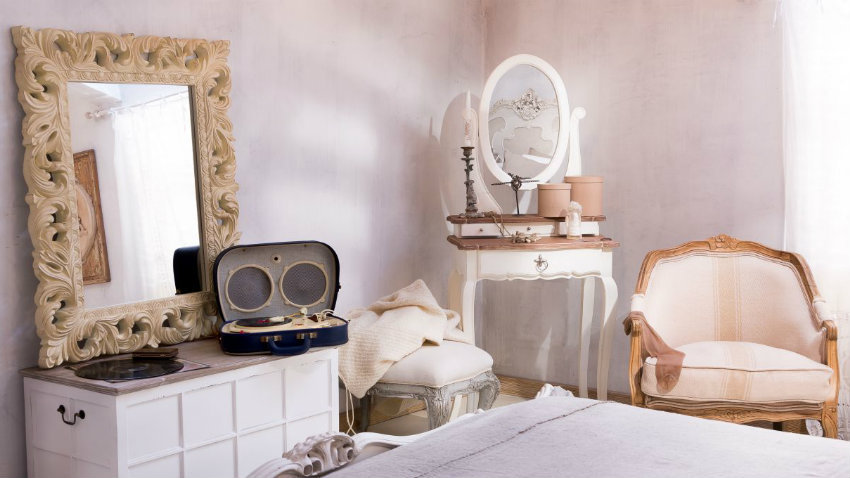 Dalani specchi per camera da letto per tutti i gusti - Muffa in camera da letto ...