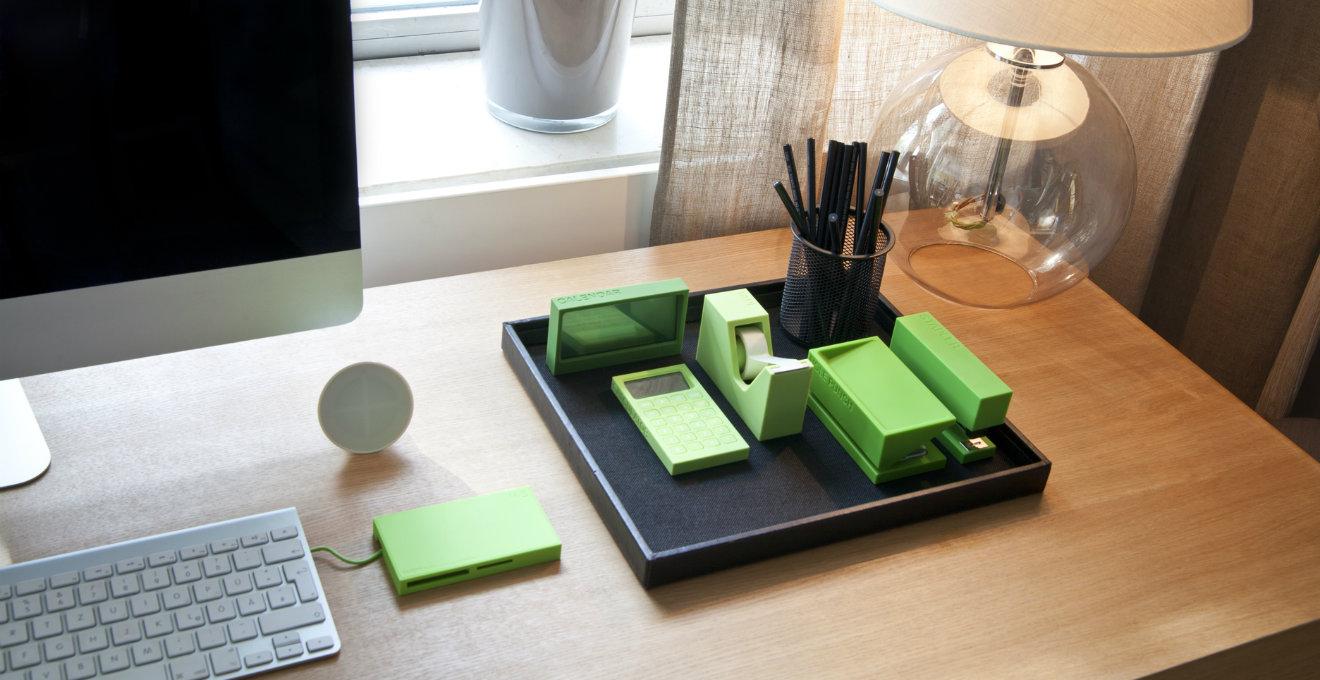 Dalani portapenne da scrivania a portata di mano for Accessori design ufficio